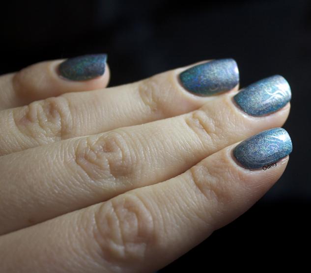 holo-nails2