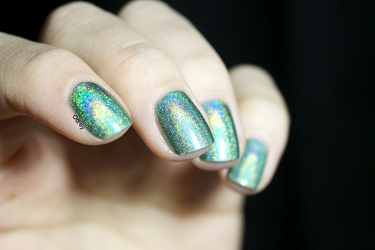 Emerald-Divine-Layla-Nailpolish2