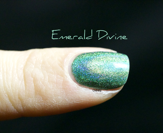 Emerald-Divine-Layla-Nailpolish3