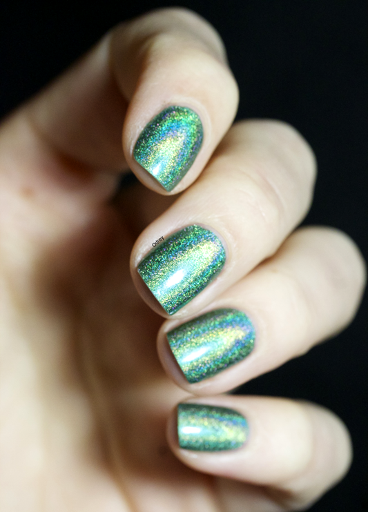 Emerald-Divine-Layla-Nailpolish4