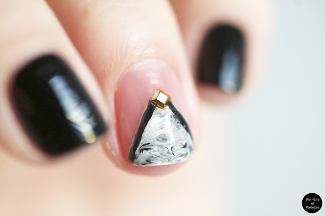 nail-art triangle dry marble 3