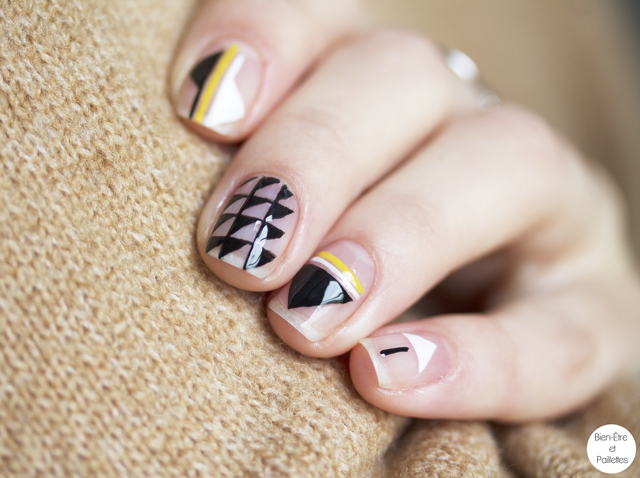 nail-art-triangle-noir-blanc3