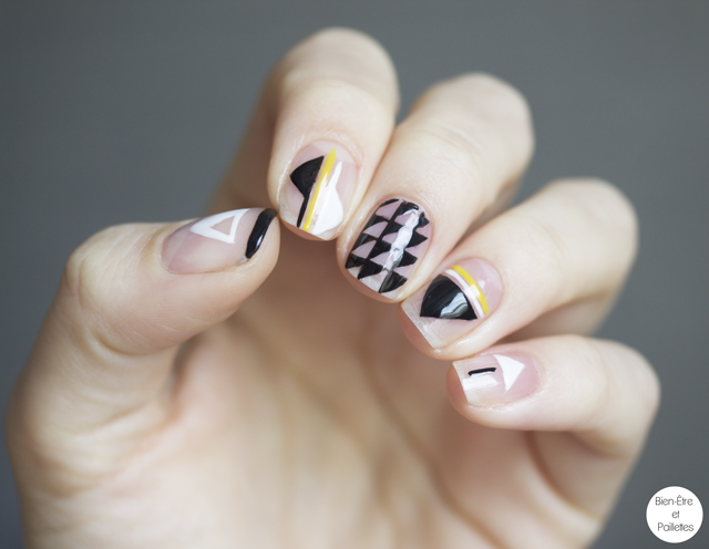 nail-art-triangle-noir-blanc4