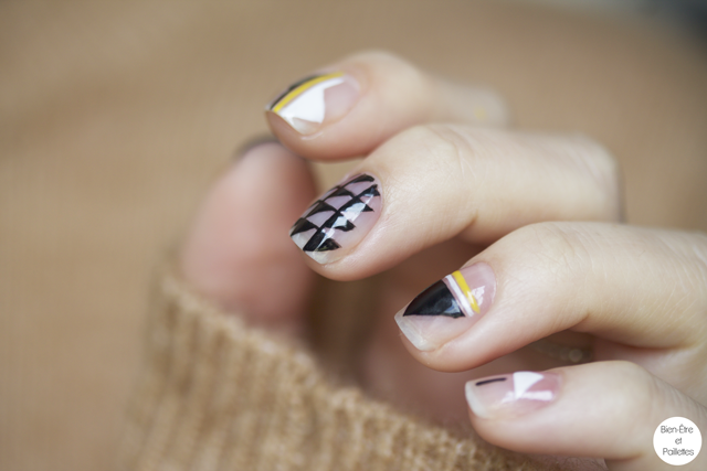 nail-art-triangle-noir-blanc6